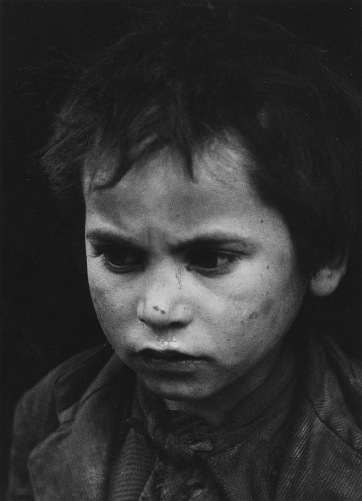 Sabine Weiss :   Mendiant - Tolède  Espagne  1949