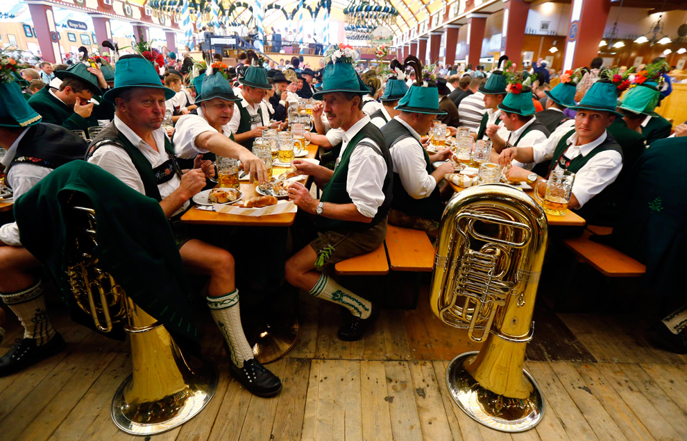 oktoberfest-01 photo Michael Dalder/Reuters