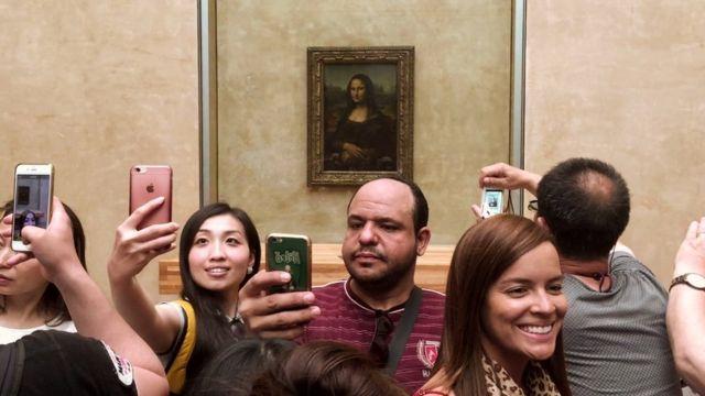 selfie-louvre